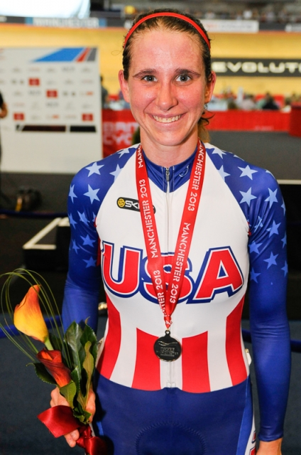 beth-newell-shows-off-her-points-race-silver-medal-med